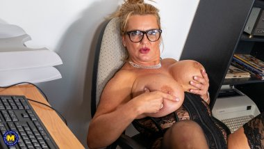 Big breasted secretary takes the hand to herself